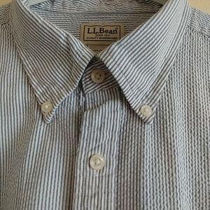 L.L.Bean men's blue seersucker short sleeve shirt